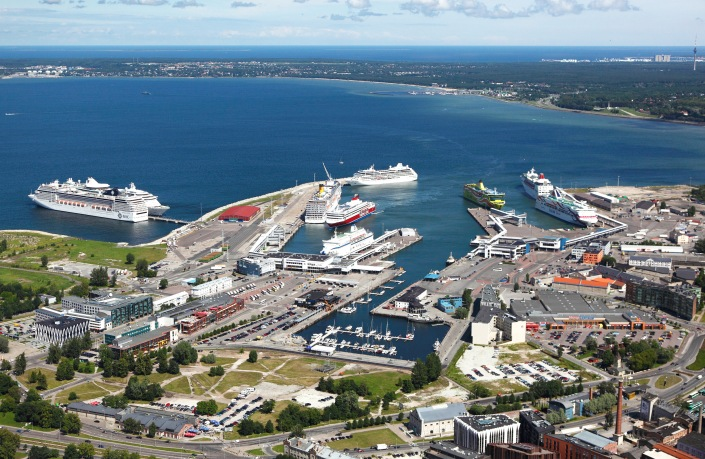 Old_City_Harbour,_Tallinn.jpg